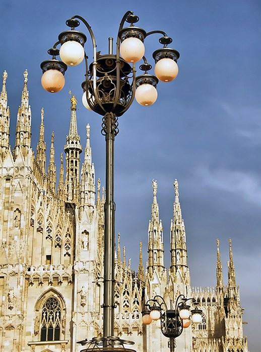 Фотообои DIVINO DECOR C-240 Фонарь у Миланского собора 200х270см - фото 19342